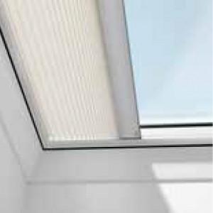 Плисирани щори за плоски покривни прозорци VELUX FMG